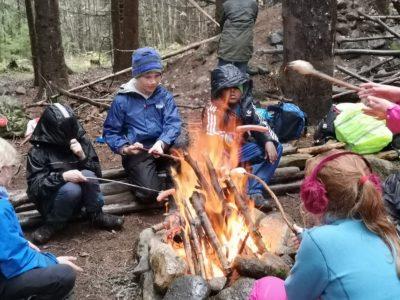 3.-6.klasse på skogstur